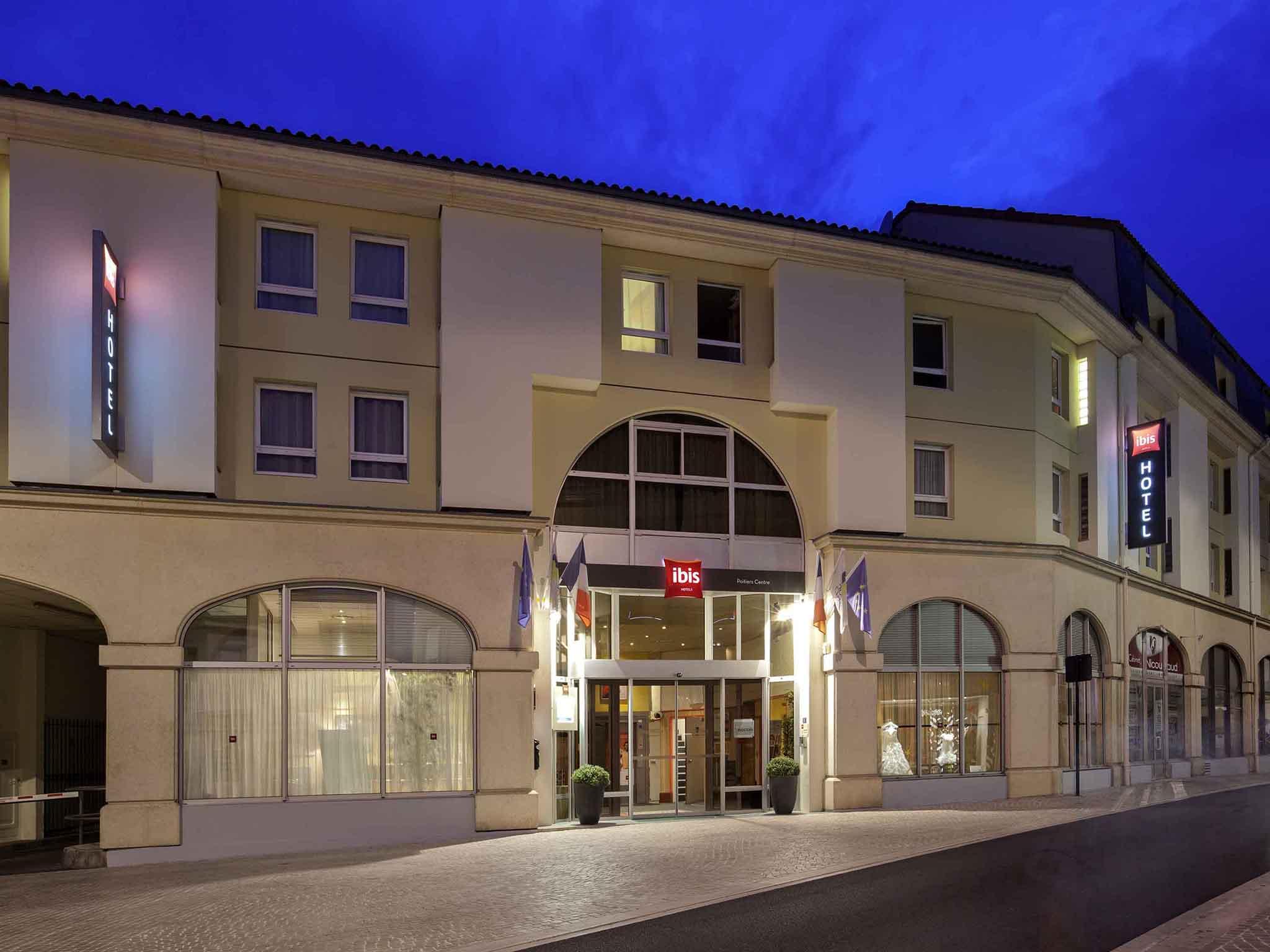 Directeur multi site h f ibis poitiers centre france for Hotel design centre france