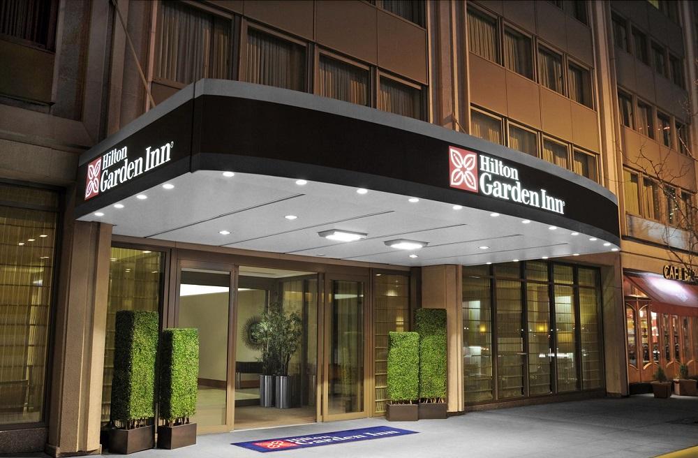 Diamondrock S 39 Approprie Les Murs Du Hilton Garden Inn Times Square Central Hospitality On