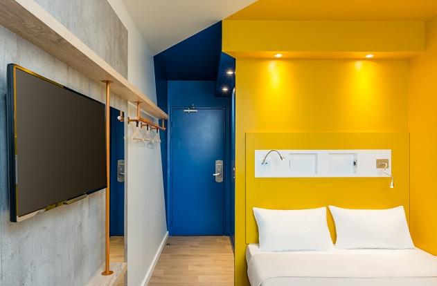 Ibis budget d voile sa nouvelle identit hospitality on for Ibis budget douche dans la chambre