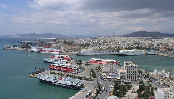 Piraeus port - CC-BY-SA-3.0-DE Nikolaos Diakidis