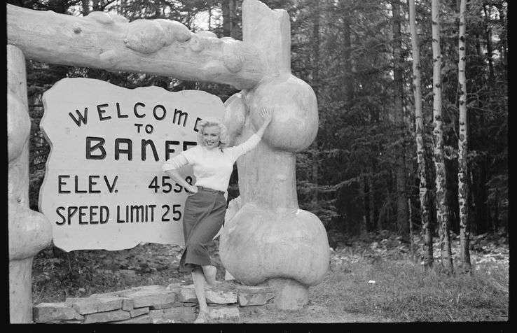 Marilyn Monroe at Fairmont Banff Springs, shooting location of River of No Return (1954)