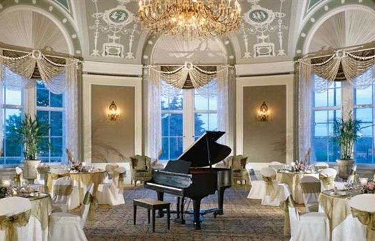 Assistant Banquet Manager - The Fairmont Hotel Macdonald