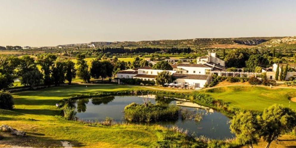 Le Borgo de los The Monastery Golf Resort