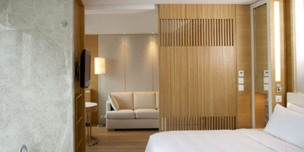Hotel Room Auction Sites